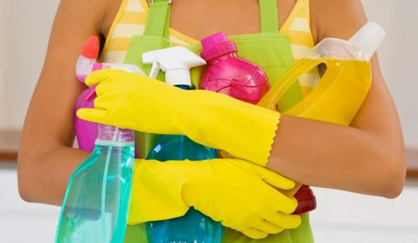 Для чистки плитки лучше применять спецсредства