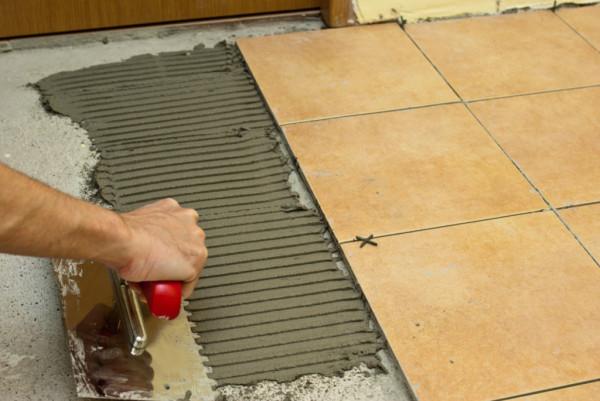 Плитка на бетон - классическая процедура с использованием специального клея