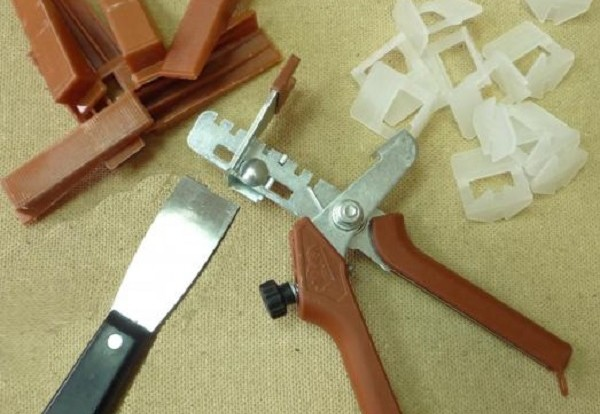 Для работы потребуются специальные инструменты