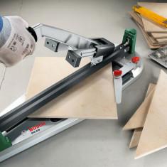Как работать ручным плиткорезом