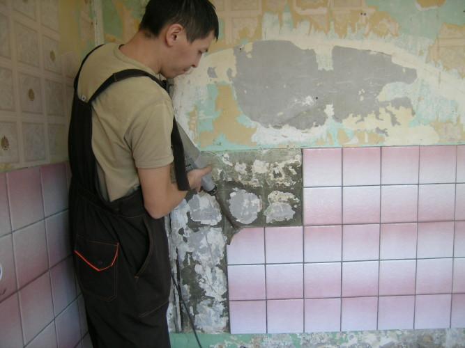 Замена поврежденной плитки