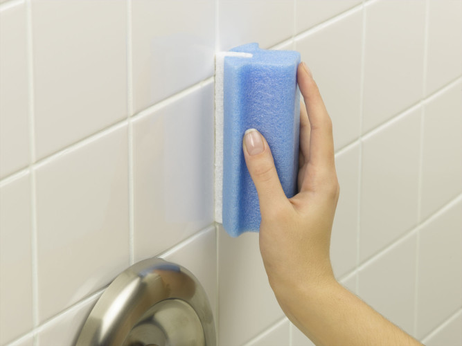 Как покрасить керамическую плитку в ванной