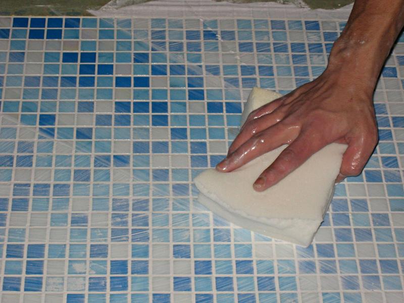 Чем отмыть плитку от шпатлевки мастика для торта своими руками красить