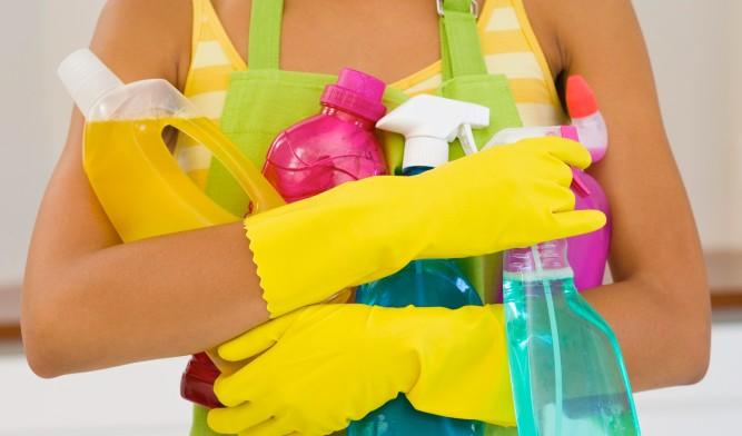 Как помыть плитку в ванной без разводов