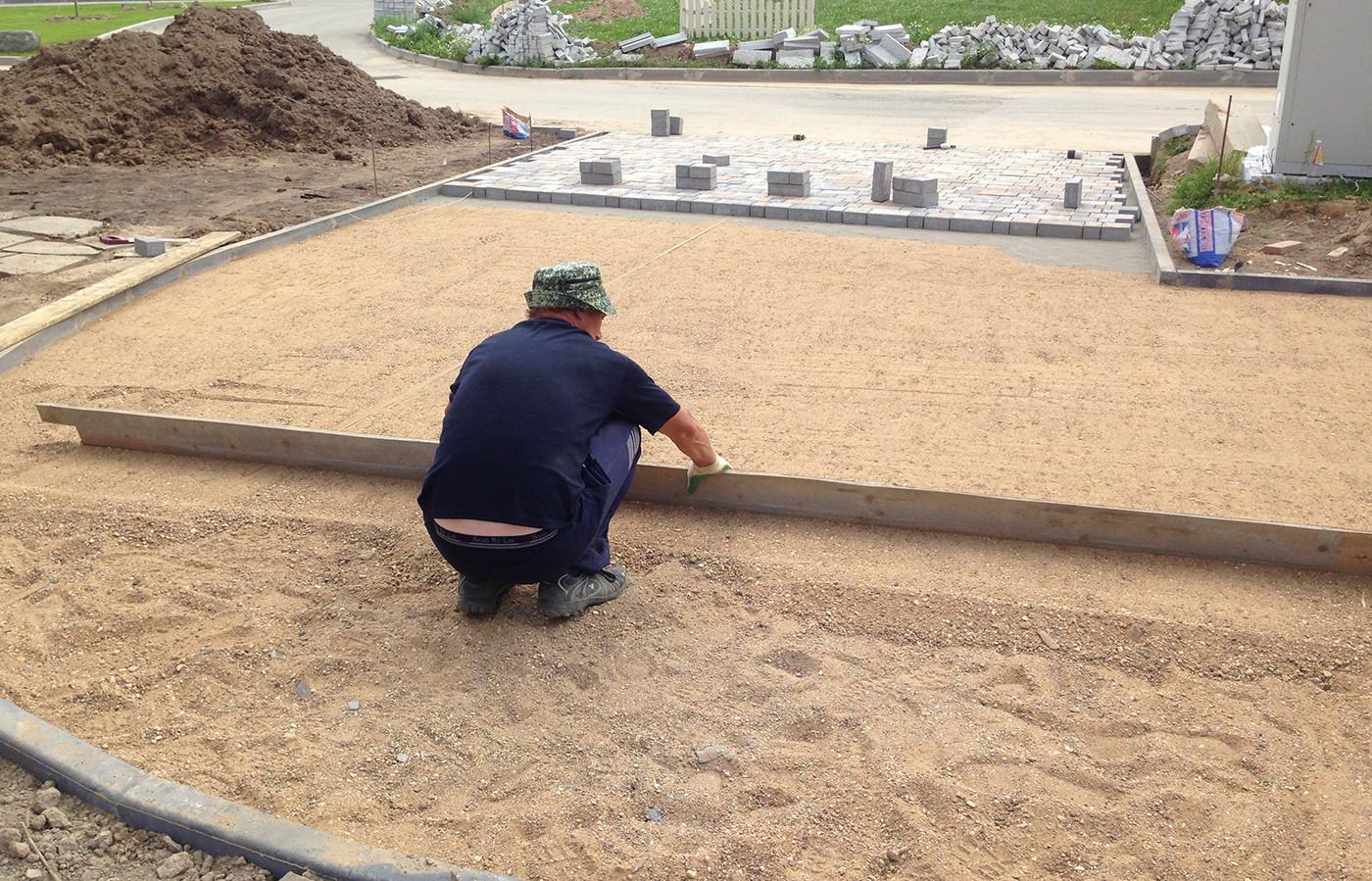 Укладка тротуарной плитки своими руками фото на песок 91