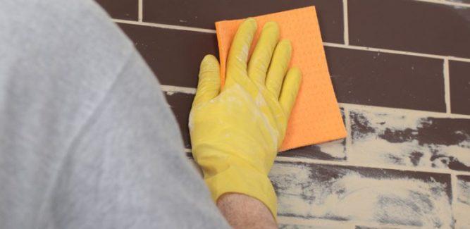 Гладкая клинкерная плитка легко моется
